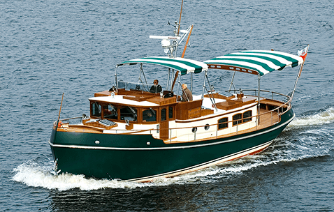 Conrad CC50 Classic Jack London Cruising in the Baltic Sea